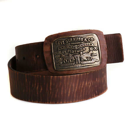 Horse leather belt with Levis logo on buckel